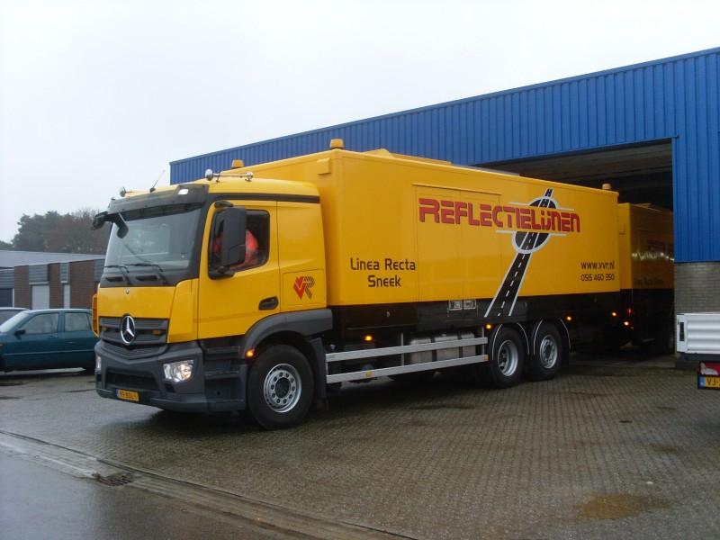 Vrachtwagens - sl385207.jpg